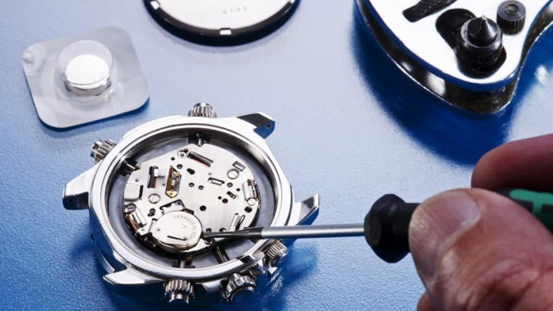Смяна на батериа на часовник
