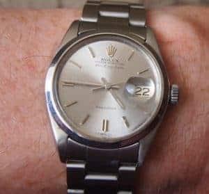 Часовник Rolex с допълнителна леща за датата - циклопс