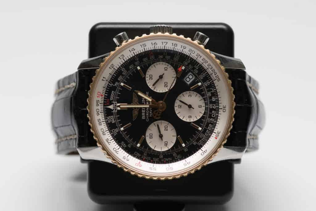 Breitling Navitimer със златен безел -качествен часовник